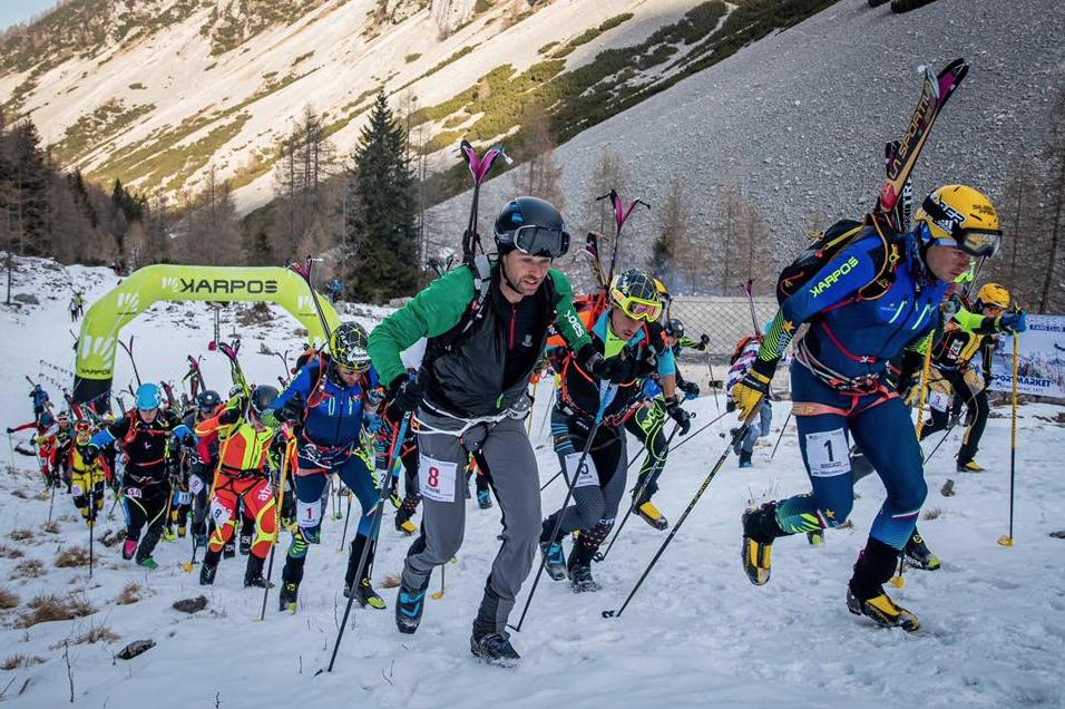 Francois D'haene ski on his back skim race